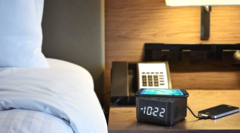 KS-Clock-bedside-with-Samsung