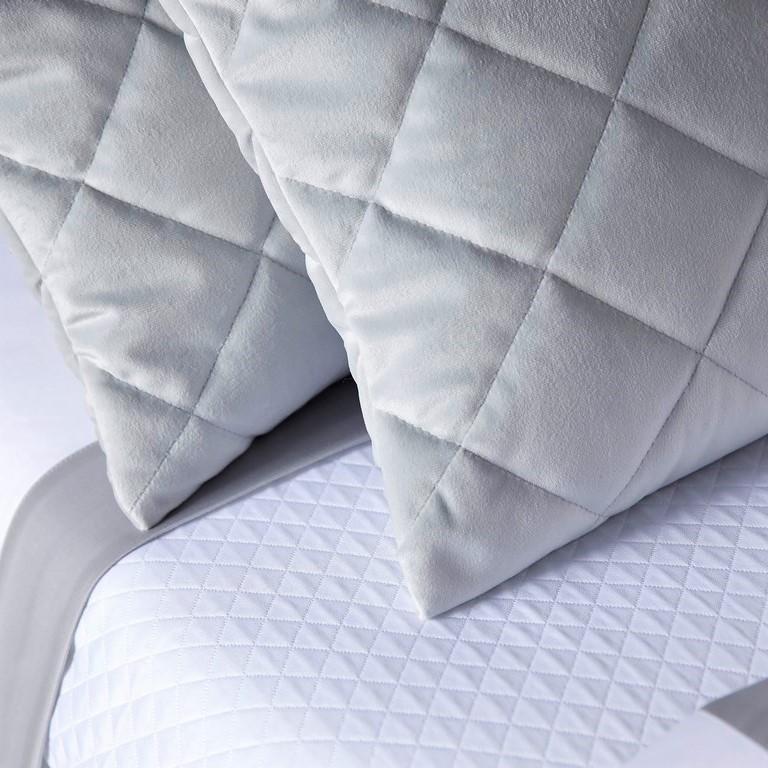 Frette fine bed linens, table linens, towels, robes